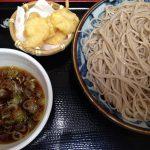 政吉、立ち食い蕎麦とは思えない品質。揚げたての小エビの天ぷらがぷりぷりしていて、美味しかったです。