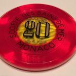 長女の受験のお守りに、モナコのカジノのチップを渡しました。これ、2回連続でルーレットで1点賭けで当たったときの縁起物です。